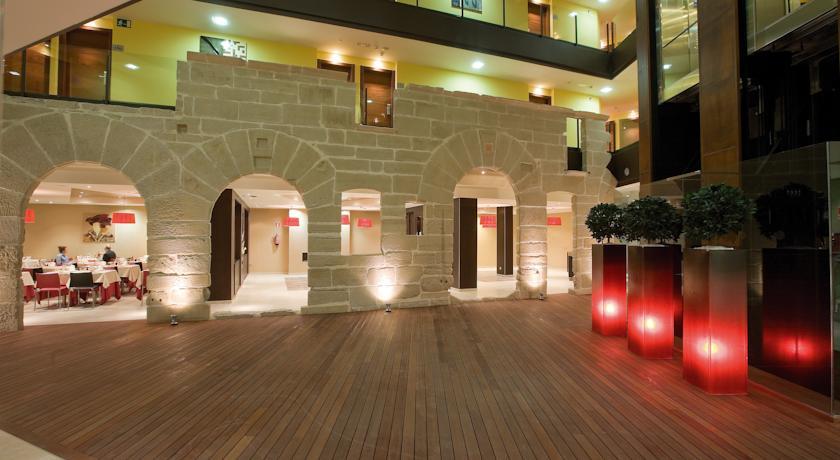 Hotel en logro o con spa y bodega despedidas de soltero for Hotel bodega logrono